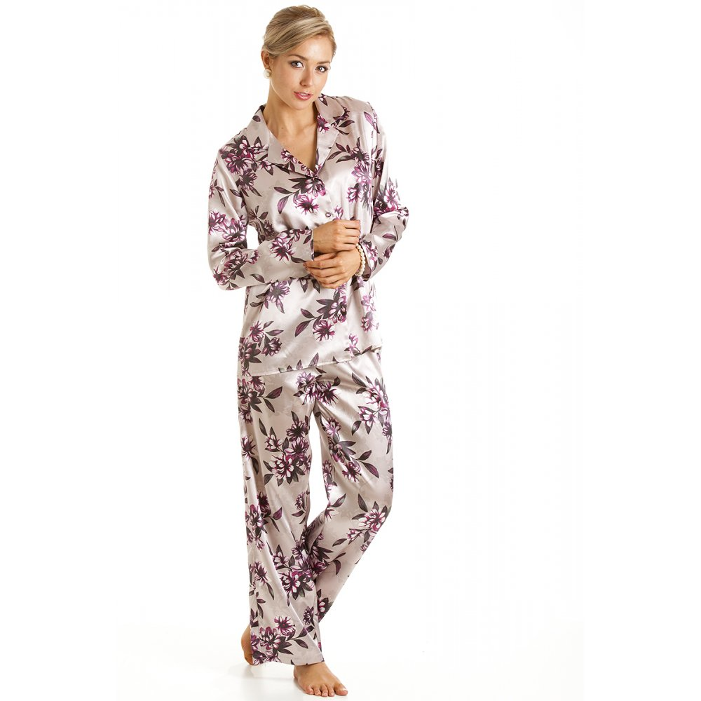 Product Features truexfilepv.cf classic top and bottom sleepwear set features matching silk.