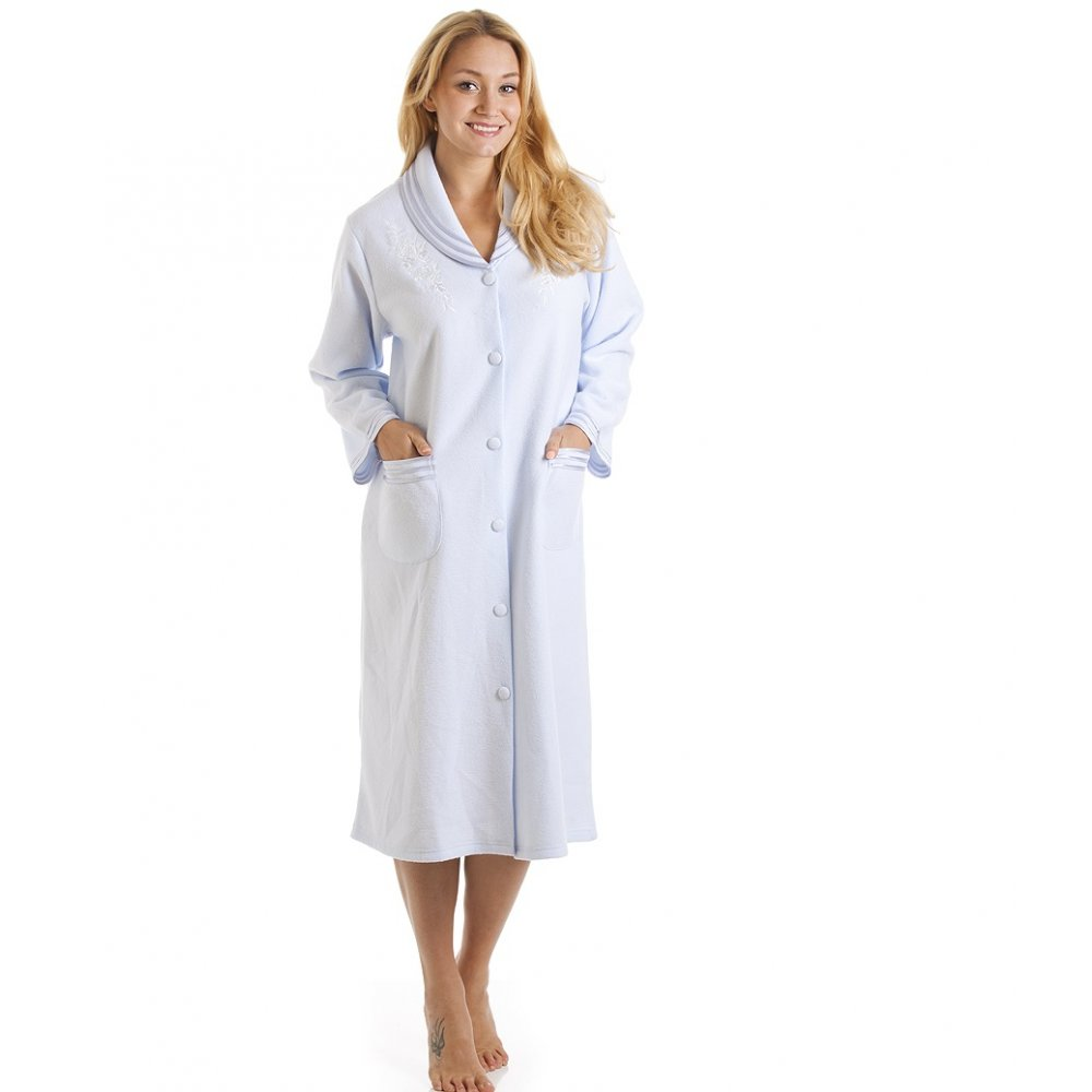 Woman's light dressing-gown Clue: Woman's light dressing-gown We have 1 possible answer for the clue Woman's light dressing-gown which appears 1 time in our database.
