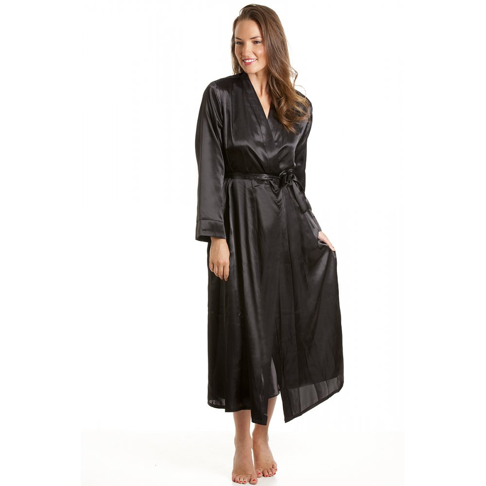 Shop our stunning collection of women's plus size robes, the ultimate mix of posh comfort and come-hither sex appeal. Put the finishing touches on your favorite lingerie outfit with a plus size lingerie robe, a sexy and versatile must-have for lounging in the boudoir.